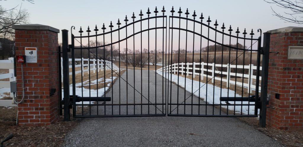 AmeriFence Corporation of Madison - Double swing estate gate - Madison fencing